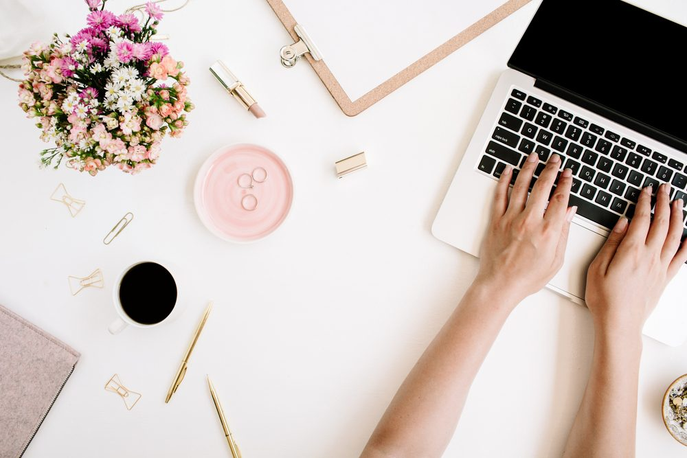 subconscious reasons you're messy_ a woman's desk