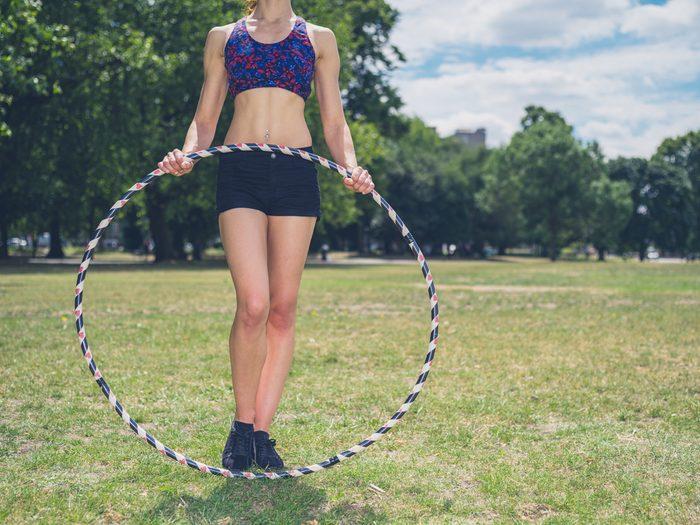 fun ways to stay in shape_woman hula hooping