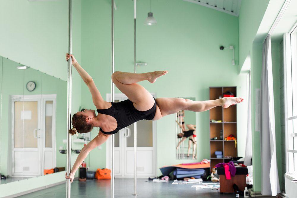 fun ways to stay in shape_woman pole dancing