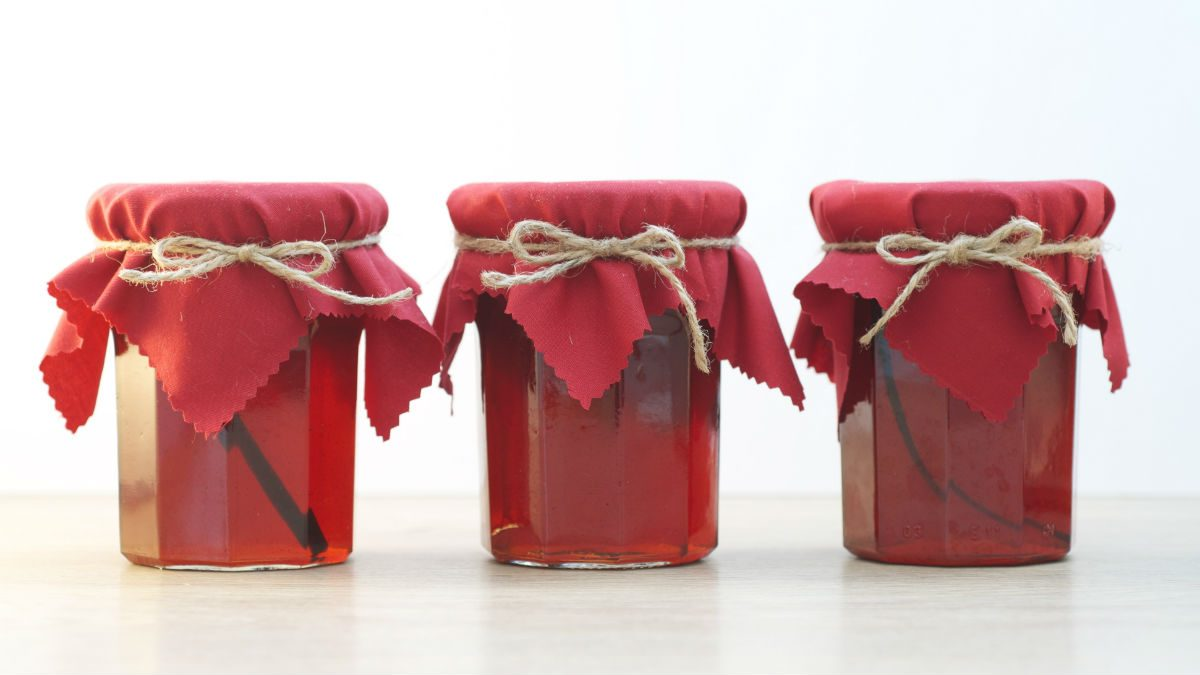 Red Pepper Jelly Makes the Best Homemade Holiday Gift