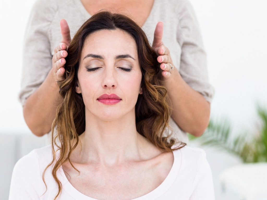 reiki treatment, healing hands