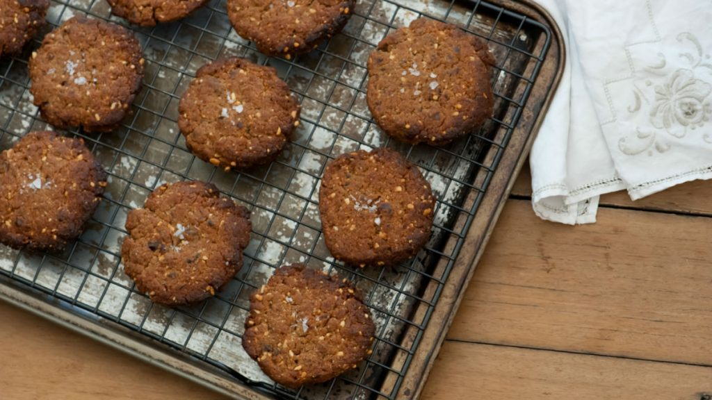 meal plan weight loss, oatmeal raisin cookie