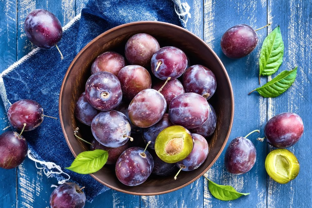 health_benefits_eating_plums_1