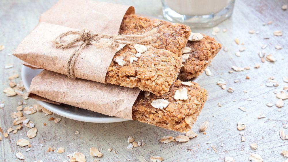 hiking snacks: ginger pear energy bars