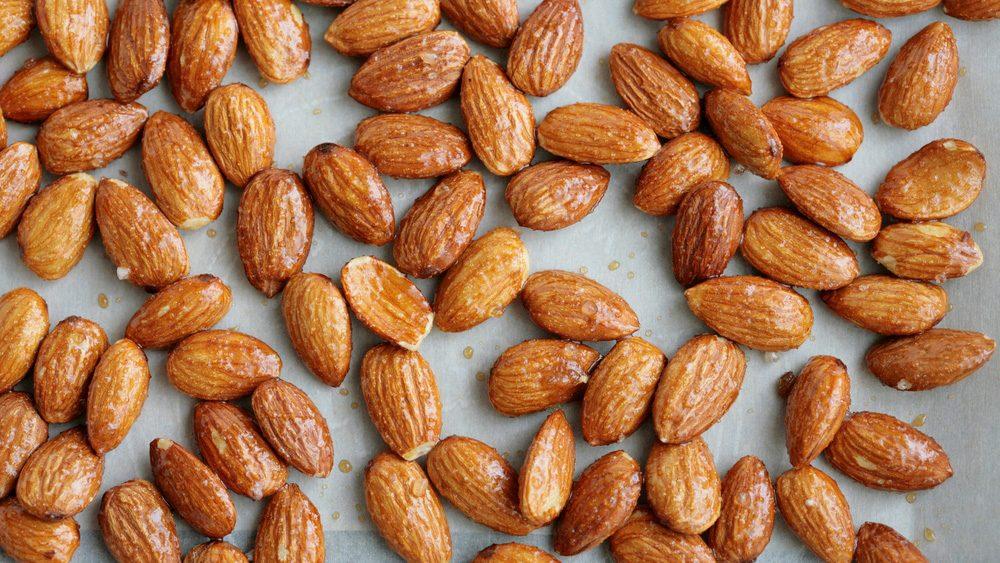 hiking snacks: maple cinnamon roasted almonds