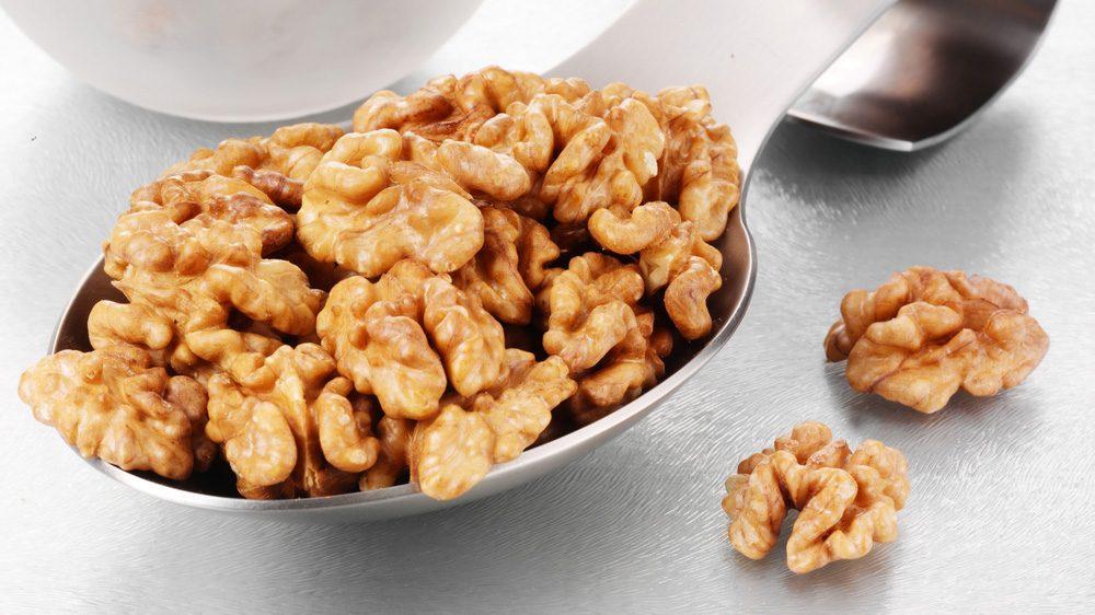 hiking-snacks-spiced-walnuts.jpg