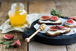 Honey-Roasted Ricotta with Figs and Grapes