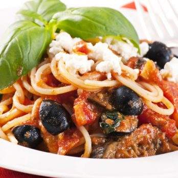 Spaghetti with Chicken, Feta & Olives