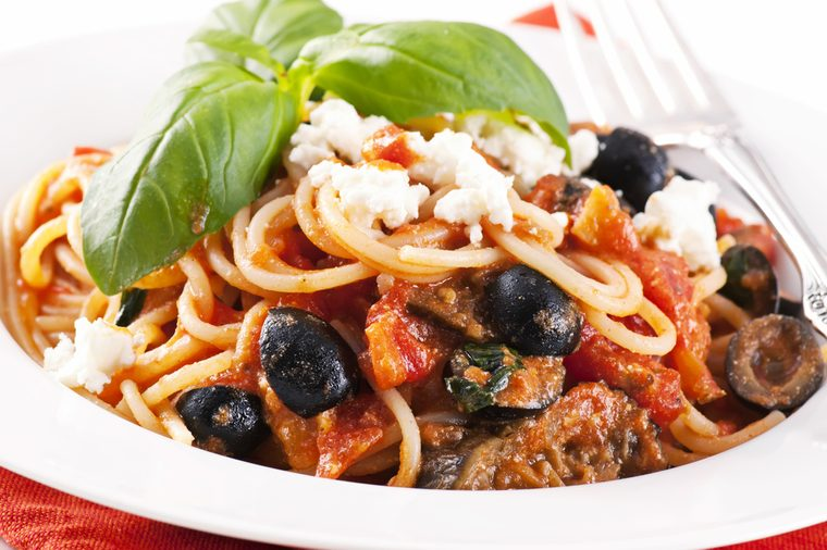 paghetti With Olives and Chicken