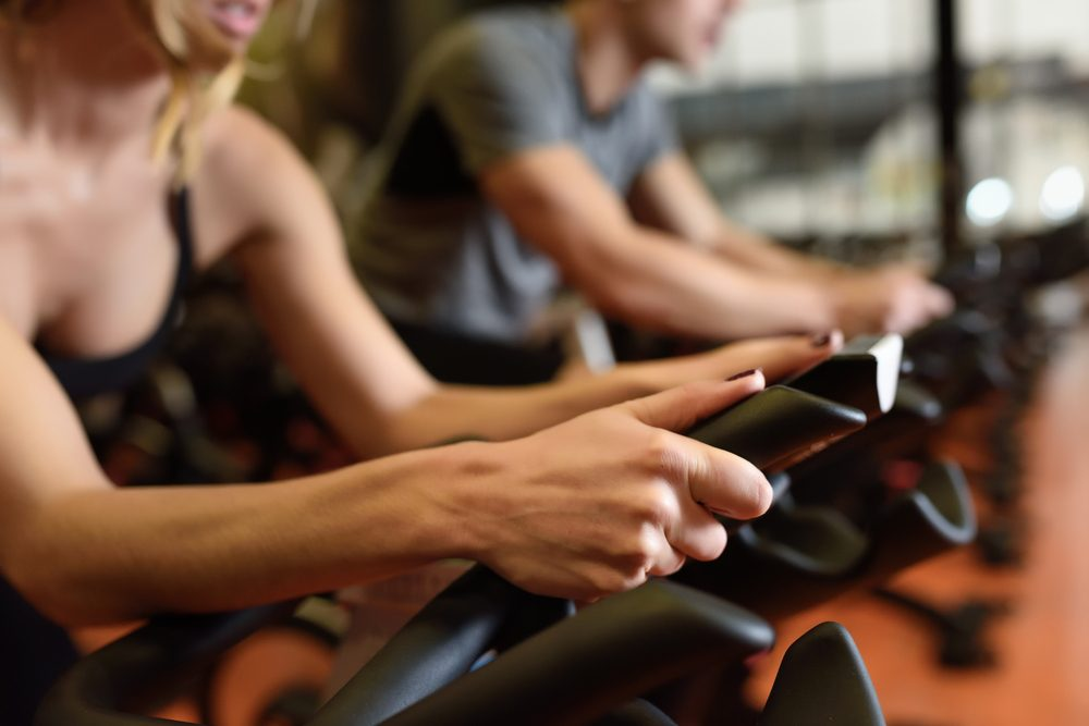 best gym machines for weight loss _ group cycling