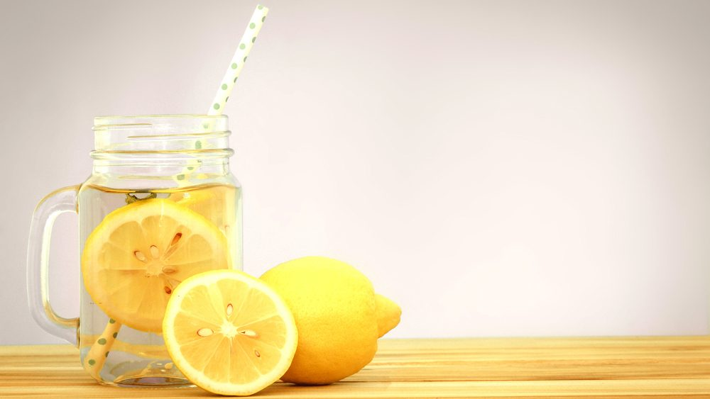 flat tummy foods lemon water