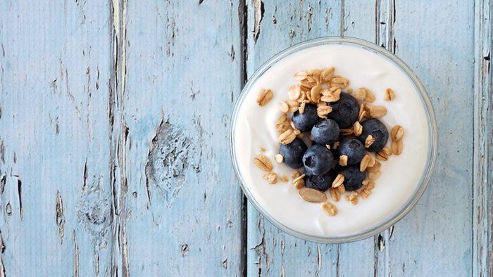 flat tummy foods yogurt