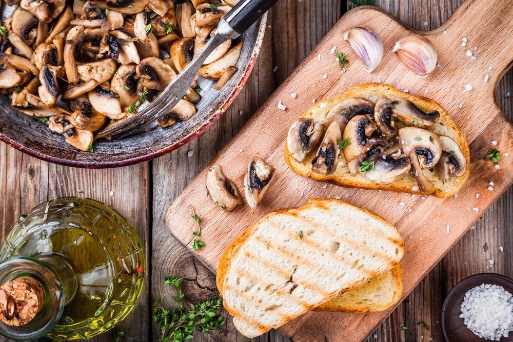 Mushrooms and toast