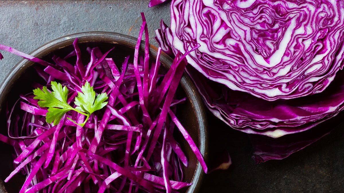 Foods high in vitamin C, red cabbage
