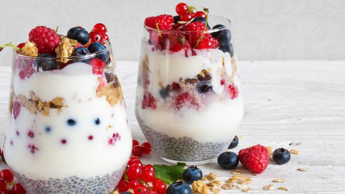antiaging foods berries, a berry-chia parfait