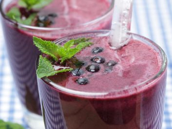 Chocolate Blueberry Smoothie with Kale