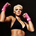 5 amazing benefits of kickboxing for women