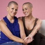 News: Celeb shaves head to support friend with cancer