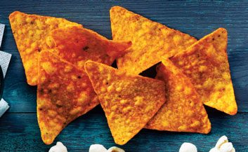 Cheese-flavoured nacho chips