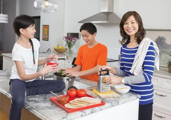 Family meals: How to get the kids talking more