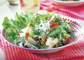 Crunchy Salad with Apples