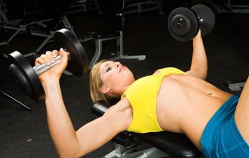 pullover arm dumbbell woman