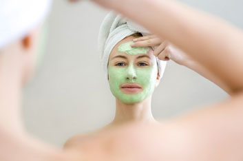 Oily skin mask with avocado