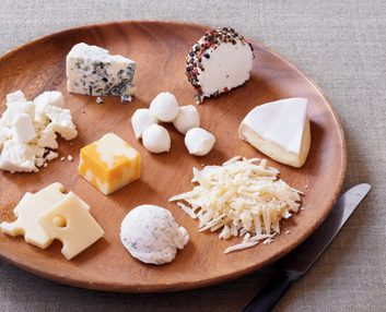 What does 100 calories of cheese look like best health magazine say cheese sisterspd