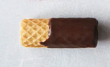Chocolate wafer roll