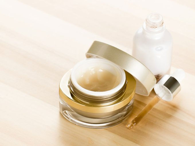 Facial Oils or Serums? How to Choose for Your Skin