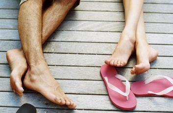 flip flops feet summer beach