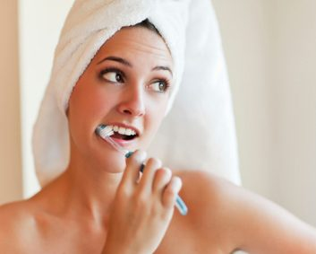 gingivitis brush teeth