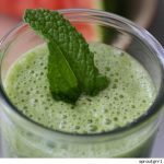 green-smoothie-with-mint-garnish