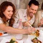8 tips for eating healthily at restaurants