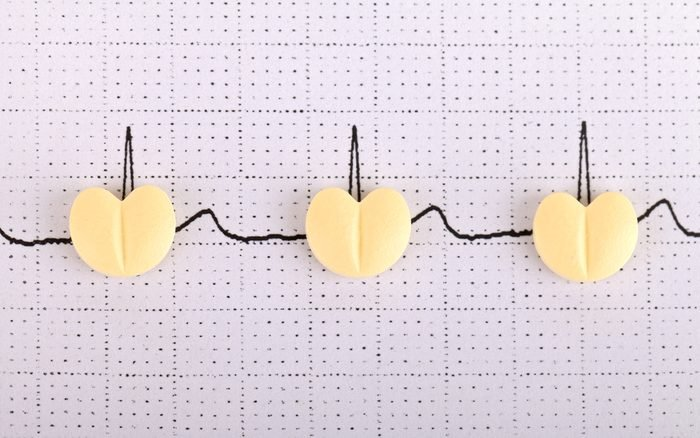 Guarana, vitamine D, and other supplements should be avoided while taking heart and blood pressure drugs.