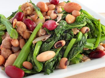 Spicy Italian White Beans with Rapini