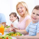 Fit Mom: Parents strongly influence kids' food choices