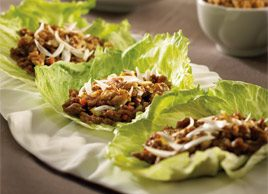 Lettuce Bowl with Chicken and Walnuts