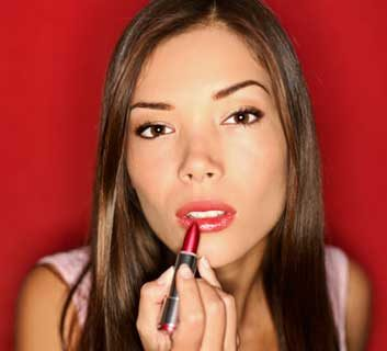 lipstickwomanmakeupchemicalsinmakeup