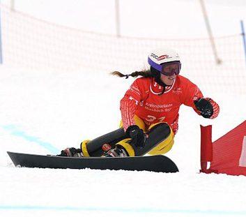 Snowboard parallel slalom