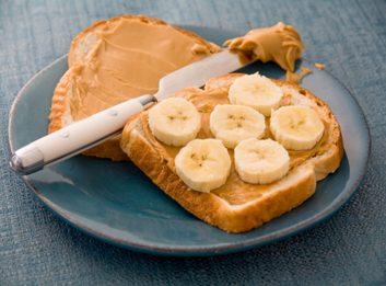 peanut butter banana toast breakfast
