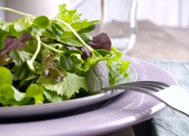 6 health benefits of salad greens
