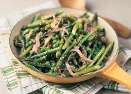 Sesame Stir-Fried Asparagus and Peas