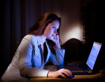 News: Long-term night shifts linked to doubled risk of breast cancer