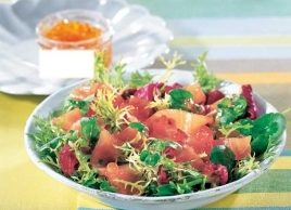Smoked Salmon on Mixed Salad Greens