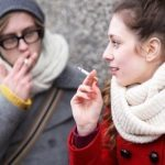 Debate: Should Canada raise the cigarette-buying age?