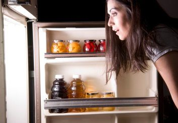 News: Is late night snacking to blame for obesity?