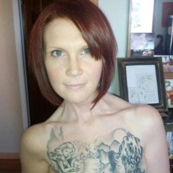 News: Topless photo of tattooed breast cancer survivor goes viral