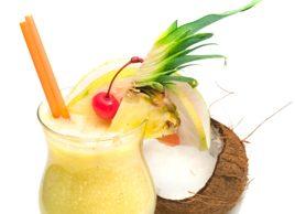 Tropischer Fruchtsmoothie