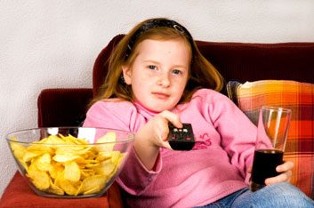 Debate: Should junk food ads be banned from kids' TV?